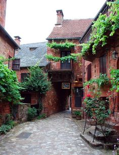 I'd like to live upstairs via: Collonges-la-Rouge--France