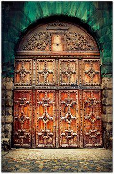 door of Fermat High School, in Toulouse, Haute-Garonne Grand Entrance, Entrance Doors, Doorway, Cool Doors, Unique Doors, Knobs And Knockers, Door Knobs, Ville Rose, When One Door Closes