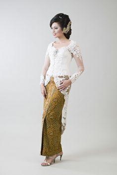 Kebaya Wedding Dress On sale.Visit: www.jayakebaya.blogspot.com Kebaya Brokat, Kebaya Dress, Hijab Dress, Kebaya Simple, Dress Muslim Modern, Indonesian Kebaya, Kebaya Wedding, Cream Midi Dress, Wholesale Wedding Dresses