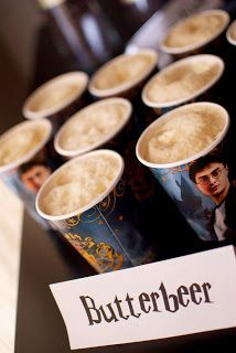 Butterbeer, butter beer, Uh, you're all invited to my Harry Potter party! {Food Ideas} For Your Harry Potter Party Harry Potter Fiesta, Theme Harry Potter, Harry Potter Baby Shower, Harry Potter Food, Harry Potter Marathon, Harry Potter Halloween, Harry Potter Birthday, Harry Potter Movies, Harry Potter Party Games