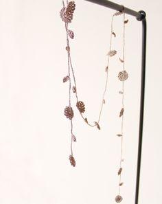 ラリエット...Chain of flowers necklace... FREE DIAGRAMS!