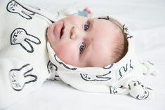 Tutorial – How to set in sleeves – Sewingridd Sewing Blogs, Sewing Hacks, Baby Onesie, Onesies, Onesie Pattern, Sewing Sleeves, I Want A Baby, Wanting A Baby, Sew Mama Sew
