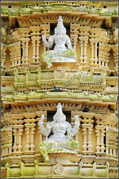 Chamundeswari Temple on Chamundi Hill | Flickr: Intercambio de fotos