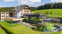 Schwarz Alm heute Style At Home, Das Hotel, Mansions, House Styles, Home Decor, Steam Bath, Relaxing Room, Black Forest, Vacation