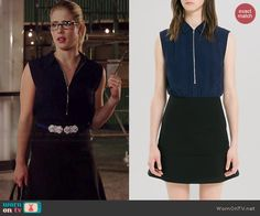 Felicity's navy zip neck dress on Arrow. Outfit Details: http://wornontv.net/39855/ #Arrow