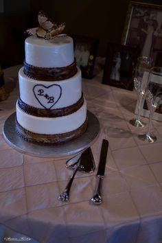 Wood rustic wedding cake