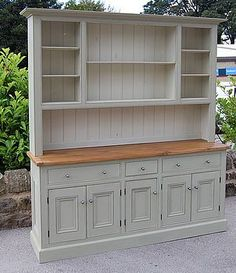 Beautiful dresser - would look lovely in a country kitchen, I love these huge pieces of furniture - A Interior Design Buffet Hutch, Dining Hutch, Tv Hutch, Hutch Cabinet, Dining Buffet, Dining Area, Furniture Makeover, Diy Furniture, Furniture Stores