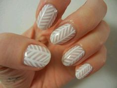 Fun and simple nail design. / feather nails / white nails