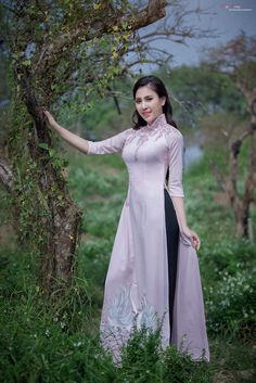Áo dài - traditional Vietnam dress