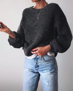 Street Style : streetstyleplatform:Grey Knit Sweater - Street Style : streetstyleplatform:Grey Knit Sweater Informations About Street Style : streetstylepl - Mode Outfits, Casual Outfits, Fashion Outfits, Casual Jeans, Dress Casual, Looks Style, Style Me, Look Fashion, Winter Fashion