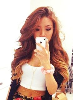Hair Color Trends 2018 - Highlights pretty color Discovred by : Jess❤Fabbulous 💋 Love Hair, Gorgeous Hair, Weave Hairstyles, Pretty Hairstyles, Look 2015, Natural Hair Styles, Long Hair Styles, Hair Laid, Long Curly