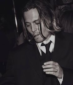 Johnny Depp Smoking, Young Johnny Depp, Johnny Depp Wallpaper, I Am Amazing, A Good Man, Sexy Men, Handsome, Dots, Inspiration