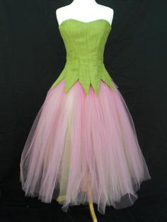 A lovely basic flower tutu, just waiting to be trimmed.