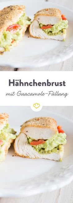 Panierte Hähnchenbrust mit Guacamole-Füllung These juicy chicken roulades are filled with a mild guacamole and turned into a spicy breadcrumb. Baked Chicken Marinade, Breaded Chicken, Chicken Bacon, Healthy Chicken, Chicken Recipes, Skinny Recipes, Diet Recipes, Healthy Recipes, Healthy Meals