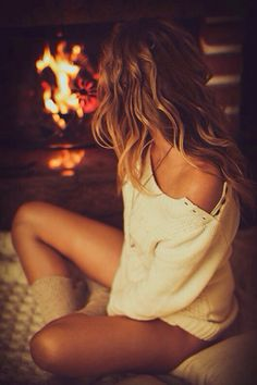 Cozy and beautiful - I would love to do a photo-shoot like this.