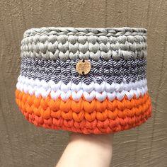 Crochê+|+Cesto+multicolor+laranja+-+ManüMonuMei