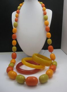 Flapper Length Bakelite Necklace 36 inches plus 3 Bangles /325