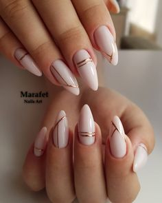 Long acrylic nails are too sharp, and short nails are too ordinary? Then you need almond nails, which are of moderate length. Almond nails are named after their shape similar to almonds. Almond Acrylic Nails, White Acrylic Nails, Best Acrylic Nails, White Gold Nails, Nude Nails With Glitter, White Almond Nails, Crackle Nails, Black Nail, Pink White