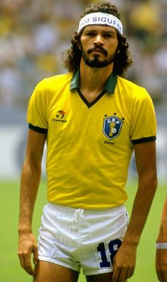Sócrates - footballer, freedom fighter, wearer of sweatbands, all-around bad mamma-jamma.
