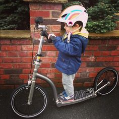 share your scooter with your toddler - This custom #swiftyONE has extra smaller handlebars