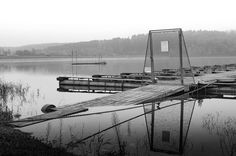 #reflectember pt. IX: Winterpause am Steg // Winterbreak at the sailing club . . . #fall #herbst #autumn #sauerland #igerssauerland #lake #sorpesee #see #smalltownsnapshots  #landschaft #landscape #picoftheday #lightroom #photooftheday #nikondf #df #Nikon #schwarzweiss #schwarzweiß #blackandwhite #insta_bw #bw_lover #bw #instablackandwhite #bw_crew #igersbnw #bnw
