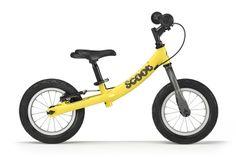 """Żółty rowerek biegowy Ridgeback Scoot posiada 16-centymetrową regulację wysokości siodełka 34 - 44 - 50 cm (dzięki dwóm wymiennym sztycom), regulowaną na wysokość kierownicę bez blokady skrętu, pompowane opony 12½"""", hamulec tylnego koła, a waży blisko 5,1 kg."""