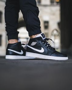 "Air Jordan 1 Mid ""Black/White-White"""
