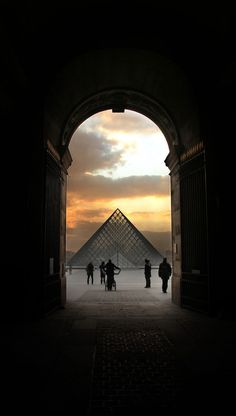 Crépuscule Louvre Paris France