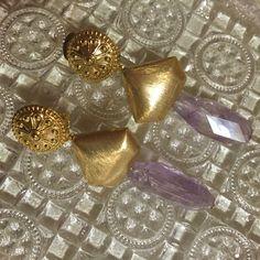 Piedra de cristal malva y piezas doradas vintage #pendientesinvitada #pendientesflamenca #petitesansab