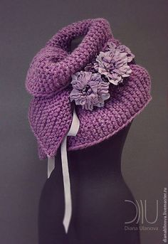 Sally would love this! Crochet Hooded Scarf, Crochet Collar, Crochet Scarves, Crochet Clothes, Freeform Crochet, Crochet Shawl, Crochet Stitches, Knit Crochet, Crochet Flower Patterns