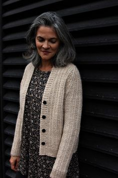 Kahlua is a cozy cardigan featuring simple texture, rib, and cable detail in a gorgeous, squishy yarn. The kniting is easy, but it's how the elements are paired that makes the design interesting. Christmas Knitting Patterns, Sweater Knitting Patterns, Knit Patterns, Knit Cardigan Pattern, Ribbed Cardigan, Dress Gloves, Yarn Brands, Lana, Knit Crochet
