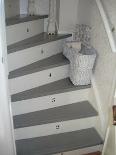 Trap je wijs on pinterest stairs garage steps and staircases - Houten trap geverfd in grijs ...