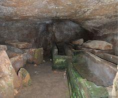 Vetralla (Viterbo) - Norchia o Orcla - Necropoli del Pile - la Tomba Prostila - Photo G. Garofoli (09-2010) - © All rights reserved - Tesori del Lazio