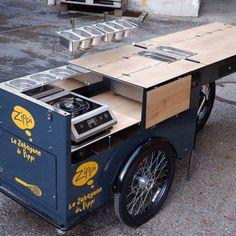 Leaving for its new home: The new Zippi-Bike is on the way to Italy. -- Ein wunderschönes Cooking-Bike mit Extra-Ablage verlässt unser Werk noch pünktlich vor Weihnachten. -- #foodbike #paulundernst #X-Mas #tyrol #italy #zippi Food Truck, Street Food, Grilling, Outdoor Decor, Inspiration, Cooking, Christmas, Simple, Nice Asses
