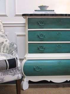 love the two colors, pulls color of drawers, shape of the chest Chalk Paint Projects, Chalk Paint Furniture, Find Furniture, Furniture Projects, Furniture Making, Furniture Makeover, Furniture Design, Refurbished Furniture, Repurposed Furniture
