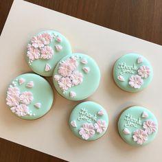 """《4月ワークショップのお知らせ》をTumblrブログに載せました。お申し込みは明日(3/15 15:00から)になります。ご興味ある方はぜひご覧下さい♡ ・ I can't feel """"spring"""" without Sakura(Japanese cherry blossom). It's coming to Tokyo soon! ・ #sakura #cherryblossom #icingcookies #decoratedcookies #さくら #アイシングクッキー #日本アイシングクッキー協会"""