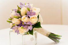 Bouquet de rosas y fressias. #ramodenovia #bodas
