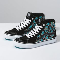 Cool Vans Shoes, Skate Shoes, Me Too Shoes, Tenis Vans, Vans Sneakers, Sneakers Fashion, Sk8 Hi Vans, Vans Store, Vans Original