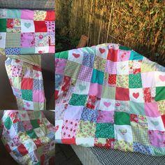 Heerlijke patchwork deken in frisse kleuren!
