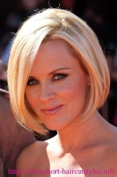 Just when I think I'm keeping it longer, I get inspired to cut off again. #shorthairstylesbob