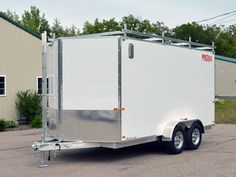 Here in NH, PROLine Products hand builds aluminum trailers customized to your needs. Check out our Aluminum Contractor Trailers Wide page! Enclosed Motorcycle Trailer, Enclosed Cargo Trailers, Work Trailer, Utility Trailer, Snowmobile Trailers, Garage Workshop Organization, Mobile Workshop, Aluminum Trailer, Equipment Trailers