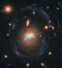 Merging Giant Galaxies Sport 'Blue Bling' in New Hubble Pic