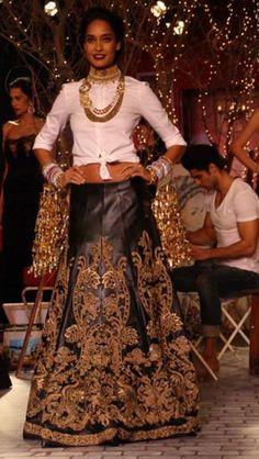 Lisa Haydon in a Leather lengha by Monisha Jaising at India Couture Week #lehenga #choli #indian #hp #shaadi #bridal #fashion #style #desi #designer #blouse #wedding #gorgeous #beautiful