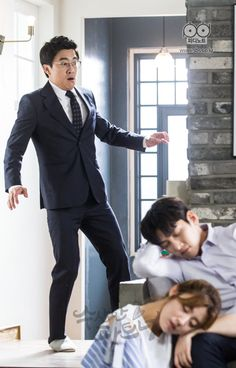"""[Drama] More breath-holding stills and behind-scenes from """"Suspicious Partner"""" O Drama, Drama Fever, Drama Film, My Shy Boss, Suspicious Partner Kdrama, Ji Chang Wook Photoshoot, Ji Chan Wook, Playful Kiss, W Two Worlds"""