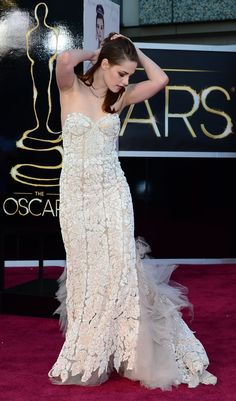 Kristen Stewart, Kirsten Stewart Style, Kristen And Robert, Sils Maria, Celebs, Celebrities, Strapless Dress Formal, Red Carpet, Dress Up