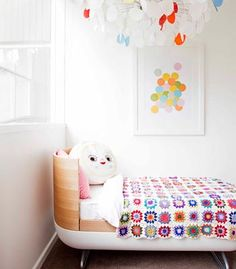 I want a quilt like that so bad. That pillow looks like it's going to eat my soul, though.
