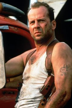 Bruce Willis - effortlessly transitions between action hero to romantic lead. Yippee Ki Yay!