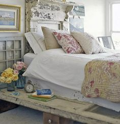 Make Your Own Platform Bed - Love the rustic decor!