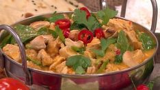 Nadia Sawalha's making her curry in a hurry - a creamy chicken dish that's low in calories and quick to throw together.