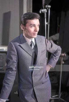 Karel Gott, Double Breasted Suit, Suit Jacket, Suits, Jackets, Fashion, Down Jackets, Moda, Fashion Styles